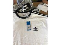 Adidas original California T-shirt. Size 2 XL