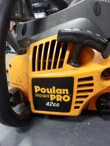 Poulan PP4218AVX 42cc Mixed Gas Powered Chainsaw. We sell used Tools. #22074 (1)