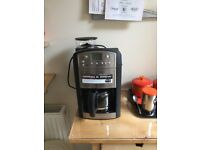 Coffee machine with grinder immaculare