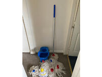 Mop Set Including 6 Brand New Heads
