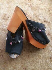 Ladies heels size 7. hardly worn