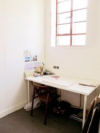 Art studio, desk space in bright studio. Cheap & shared with 3 friendly artists. Peckham, London