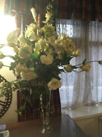 FAUX ARTIFICIAL WHITE ROSE FLOWER BOUQUET - EXCELLENT CONDITION