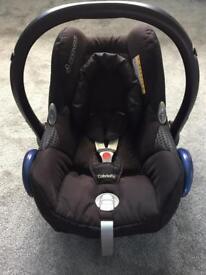 Maxi-Cosi car seat & Family Fix Base