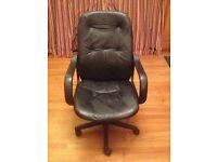 Office swivel chair - black