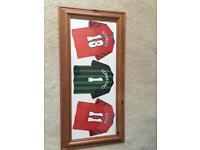 Manchester United 1999 shirts photo