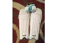 Junior Cricket pads for sale and gloves hardly been used