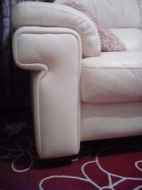 Large 3 seat sofa, perfect condition, hardly used, cream