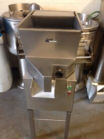 Potato Chipper BOLD on Stand 17mm Chips ,Immaculate Condition ,First To See Will Buy £1400