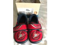 Boys Clarks slippers size 6.5G