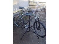 claude butler ROCK, classic hybrid disc brake bike, robust design, bargain