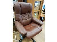New stressless Brown leather wheelie chair