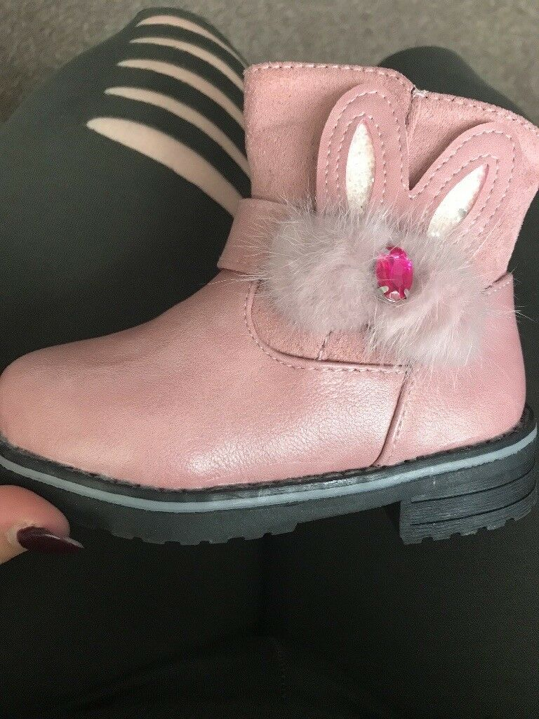 Girls pink bunny boots