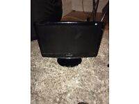 "Samsung 19"" SA19A100NLED Monitor with stand and cables"