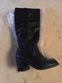 Black boots brand new size 6