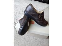 Brand new clarks womens un loop shoes brown in colour size 7