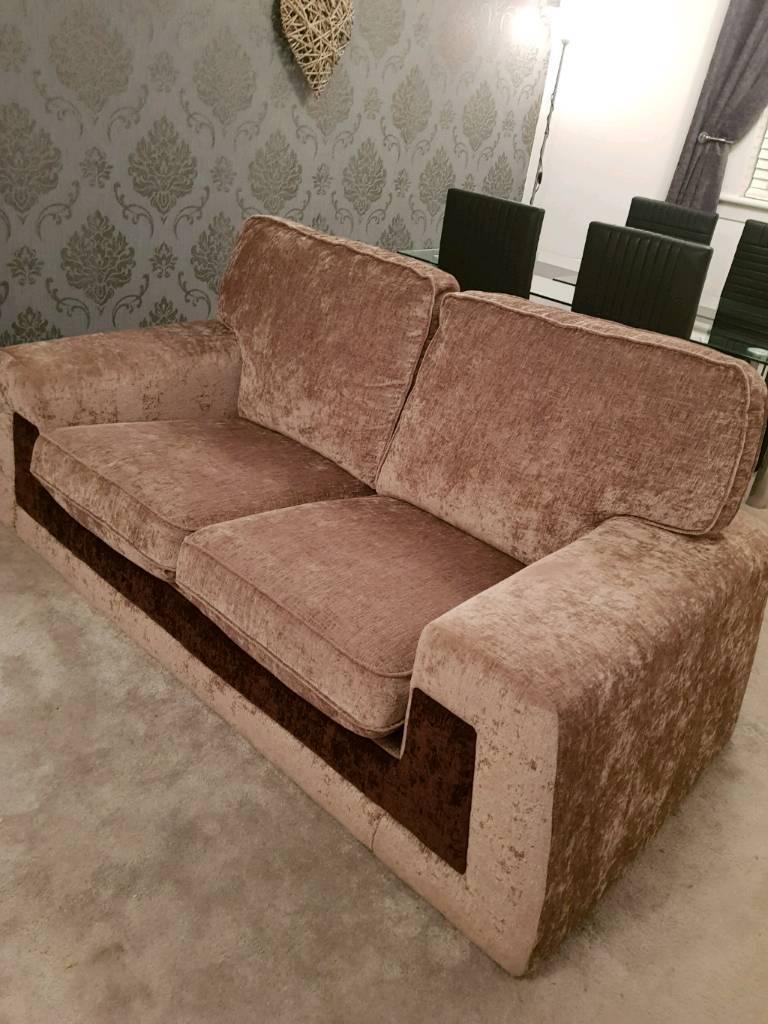 2 Seater Sofa & Cuddle Chair