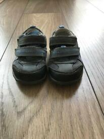 Toddler shoes size 5g