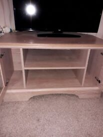 Tv unit and cabinet