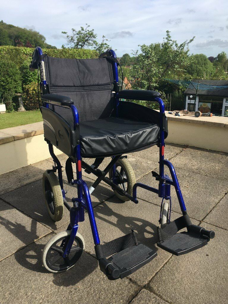 Invacare Alu Lite Wheelchairin Fishponds, Bristol - This Alu Lite transit wheelchair is in very good condition. A light weight, basic entry level wheelchair, popular for its manoeuvrability and easy transportation. The seat width is approx. 18 inches and the compact aluminium frame weighs 12kg , with...