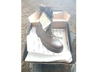 mens full brown leather boots, size 9, 7, 5, brand new combat boots