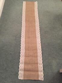 4x Hessian Table Runners
