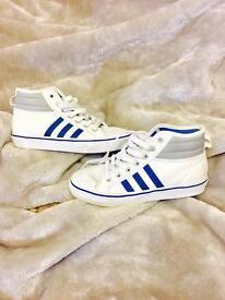 Adidas Size 4 ONO