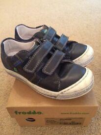 Boys Froddo shoes size 29