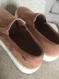 RIVER ISLAND tan Trainer/shoes size 4