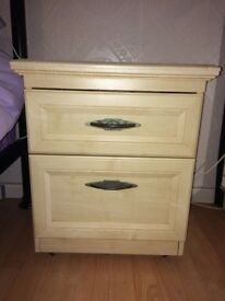 Matching chest of draws and bedside cabinet