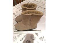 Nearly new sheepskin Boots