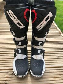 Sidi Charger Motocross Boots size 8
