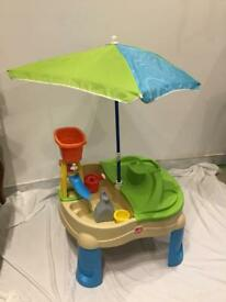 Step 2 Splash & Scoop Bay Sand and Water Table - used