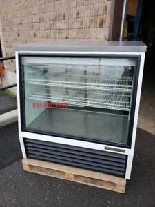 "TRUE Presentoir Refrigere 48"" pour Dessert a Gravite,  Refrigerated Deseert Showcase Gravity Coil"