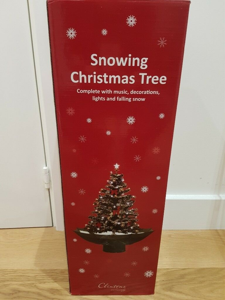 Snowing Christmas Tree.Snowing Christmas Tree From Clintons In Hoxton London Gumtree