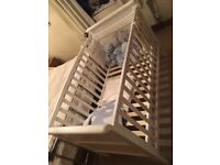 Amazing condition cot/cotbed