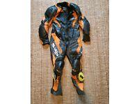 One peice motorbike leathers, Size 46
