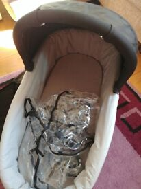 Oyster carrycot with rain cover