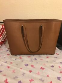 Original Michael kors bag, hardly used, in good condition