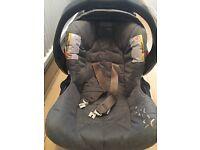 Cargo Quattro deluxe Car seat + Carrycot