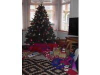 ARTIFICIAL LIFE LIKE 6 FOOT CHRISTMAS TREE
