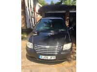 Chrysler Grand Voyger limited 3.3 auto Large 7 seater