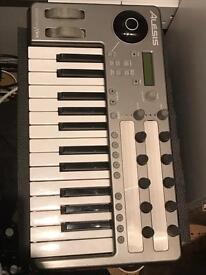 Alesis Photon X25 midi controller keyboard