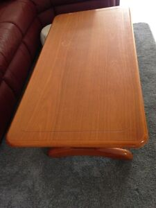 Solid wood coffee table Seaford Frankston Area Preview