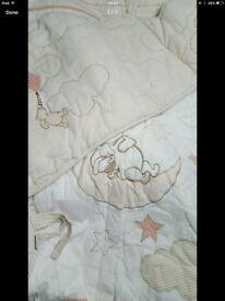 Cot bumper & quilt
