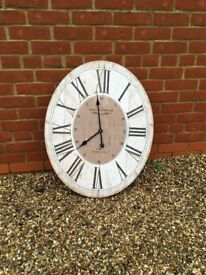 Large internal clock - excellent condition