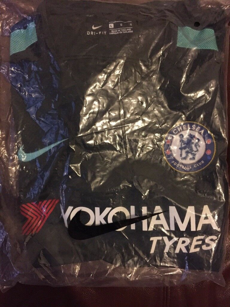 Chelsea FC Official 3rd Kit LARGE BRAND NEW