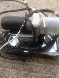 Convertible roof motor and 7 hydraulic pipes