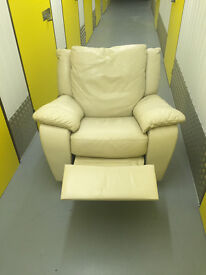 2 x reclining armchairs one swivels cream leather good condition £50 each or 2 for £90