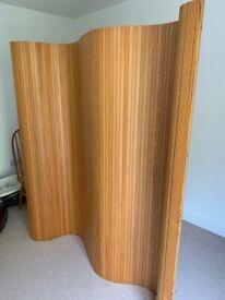 Wooden screen Beautiful interlocking wood.